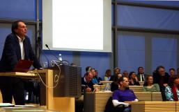 Prof. Dr. Möller bei seinem Vortrag zur Hattie-Studie