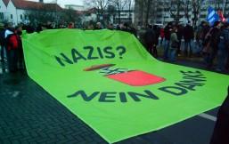 Transparent auf einer Demo gegen Rechts